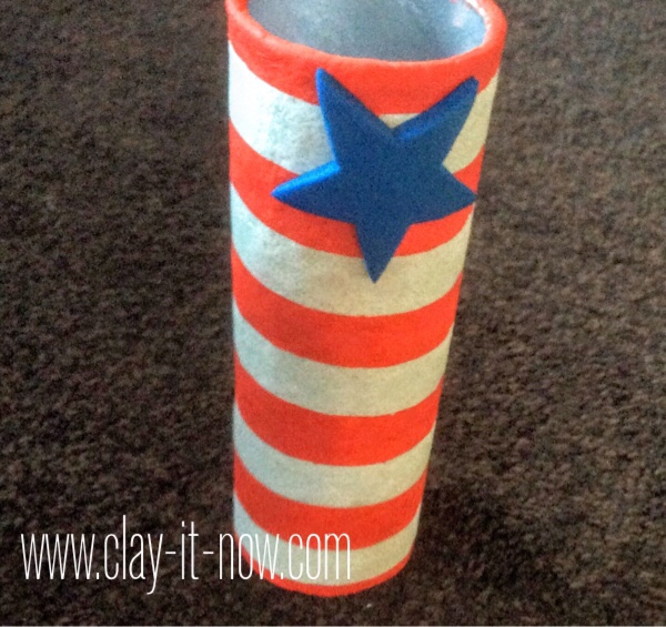 fourth of july craft for kids, upcycling potato chips can to flower vase - step 14