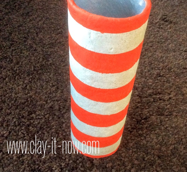 fourth of july craft for kids, upcycling potato chips can to flower vase - step 13