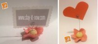 place card holder with simple 5 petals clay flower base