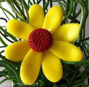 simple daisy clay, simple daisy, daisy, daisy clay pendant