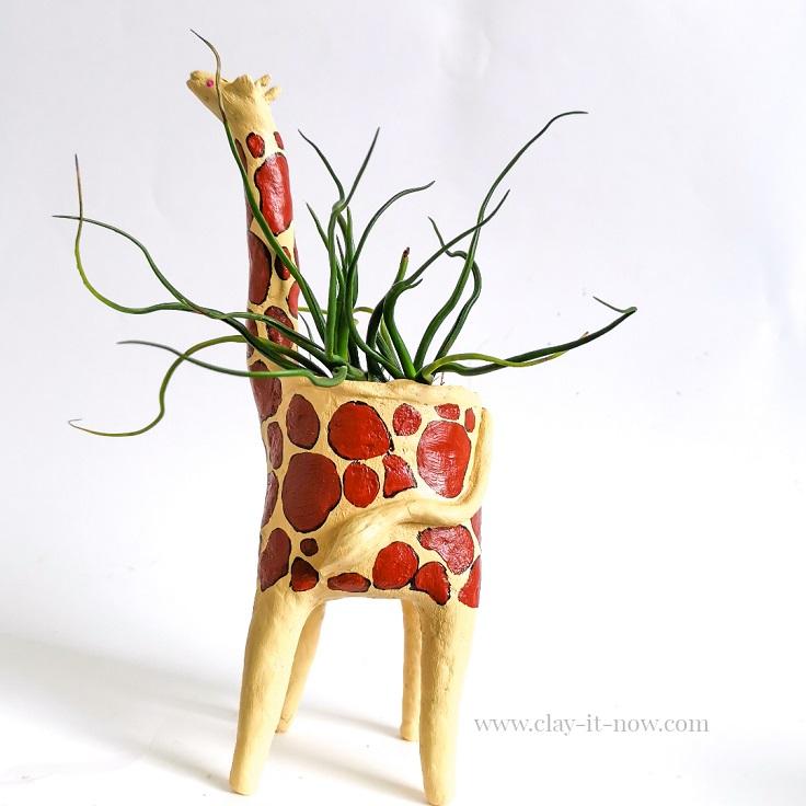 copycat pottery - clayitnow - Giraffe planter