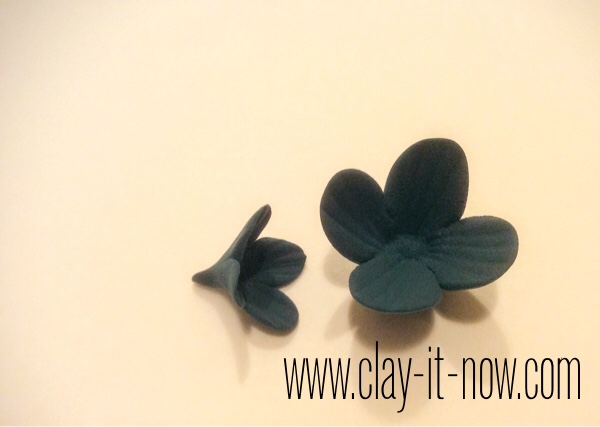 7518-step7-blue lilac hairpin-fourthofjulyhairaccessoriesidea-bluelilac