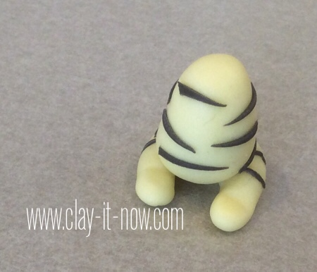 cat on the pillow pencil topper-claycat-6