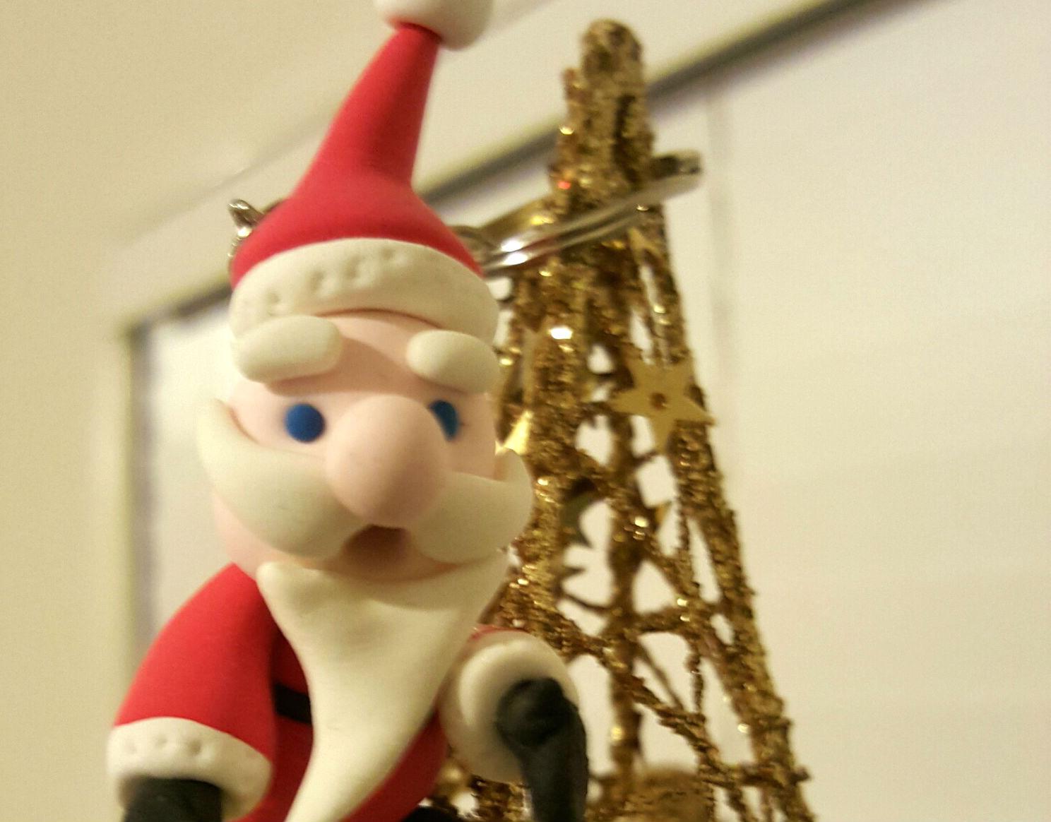 Mini Santa Claus figurine for beginners