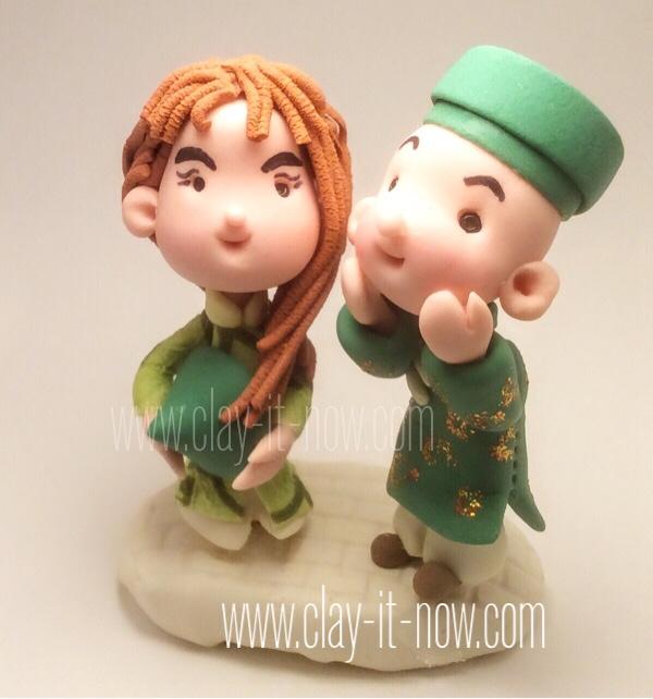 7794 - cute mini figurine couple wearing ao dai - vietnamese traditional dress