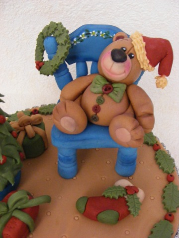 Gum paste chair for Christmas bear